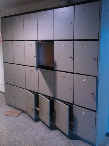 Postvakkenkast hout met 24 vakken