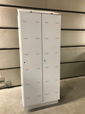 2-deurs kledingkast Oostwoud, grijs